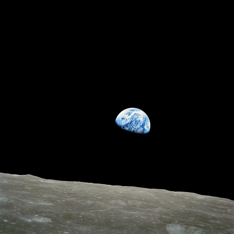 1280px-NASA-Apollo8-Dec24-Earthrise (1)